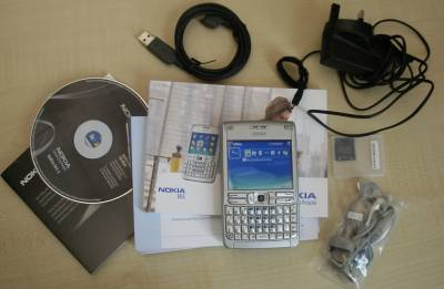 Nokia E61 box contents