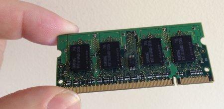 A 200 PIN DDR2 SODIMM