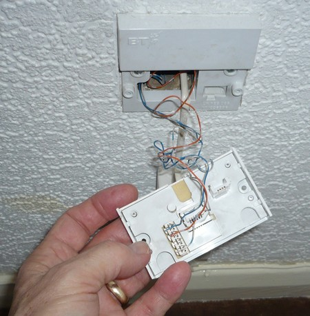 Bellwirenutshell on wiring diagram for wall outlet
