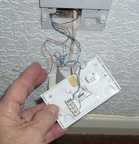 Broadband Bellwire Fix In A Nuts on